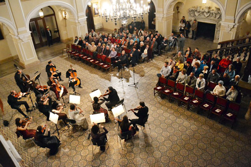 Concert-karoly