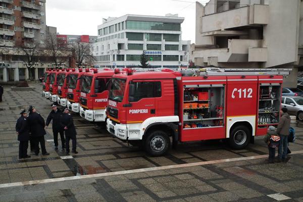 [Imagine: masini-pompieri1.jpg]