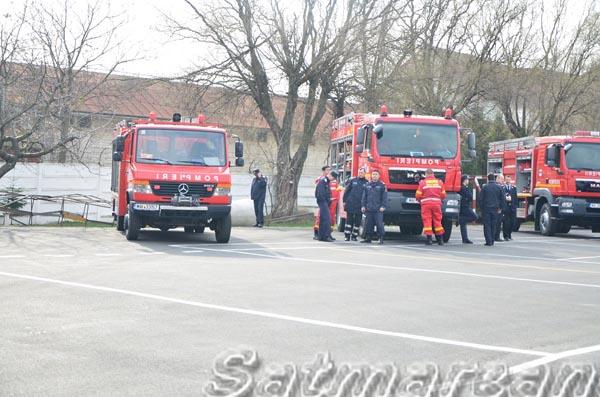 [Imagine: pompieri-satu-mare01.jpg]