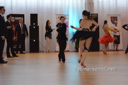 dansatori12
