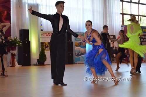 dansatori15