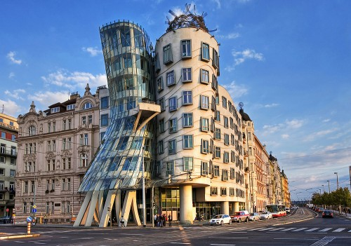 7 Dancing-House-Cehia