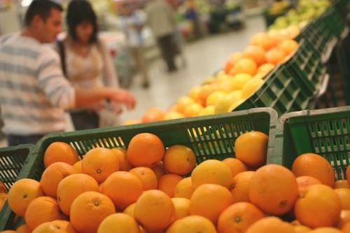 Ilustratie din supermarketul Carrefour Baneasa.