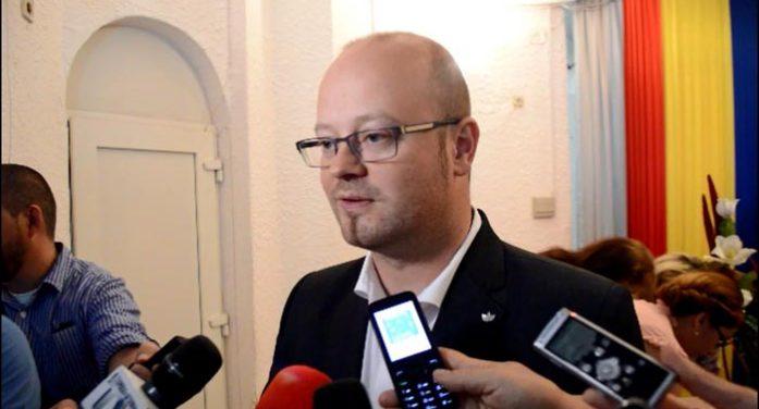 """Kereskenyi Gabor: """"Nu sunt mulțumit de ritmul în care se lucrează pe Podul Decebal"""""""