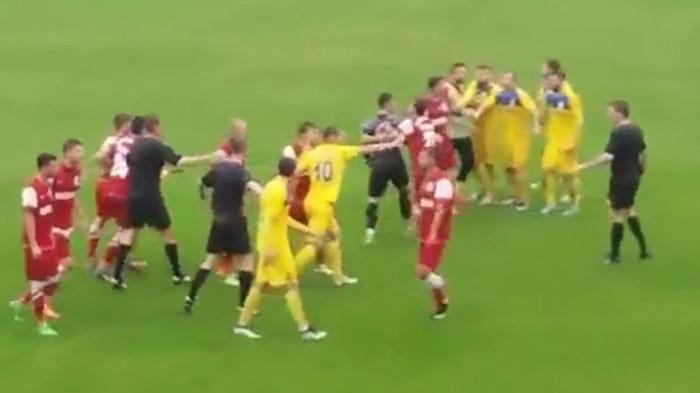 Scandal la meciul Unirea Tărlungeni-Olimpia. Vezi ce s-a întâmplat (Foto)