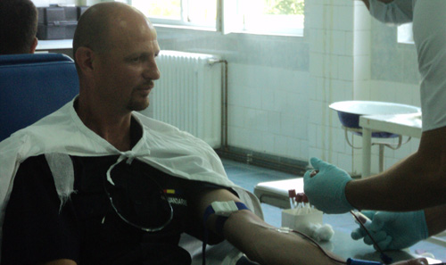 Sânge de jandarm pentru cei aflaţi în suferinţă
