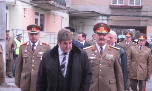Ministrul Gabriel Oprea nu spune ce ştie şi nu ştie ce spune