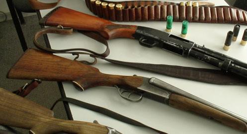 Se fură chiar şi arme şi muniţie