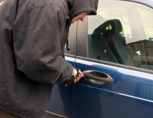 Un hoţ din maşini mai puţin în Satu Mare
