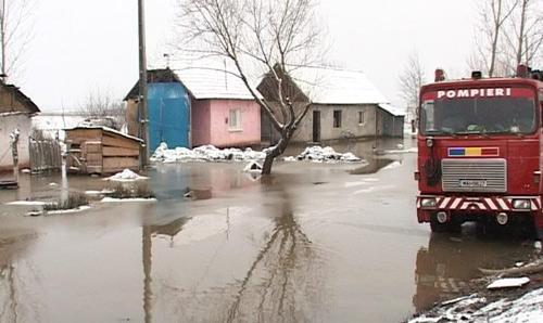 Casele rromilor din Micula au fost inundate