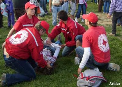 Voluntarii Crucii Roşii sărbătoriţi