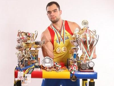 Oncescu, campion mondial de skanderberg