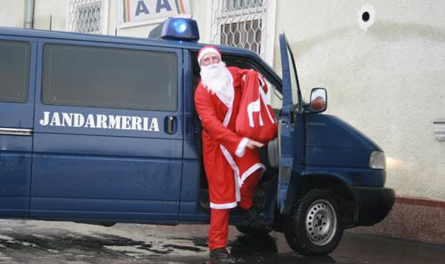 Vine, vine Moş Crăciun