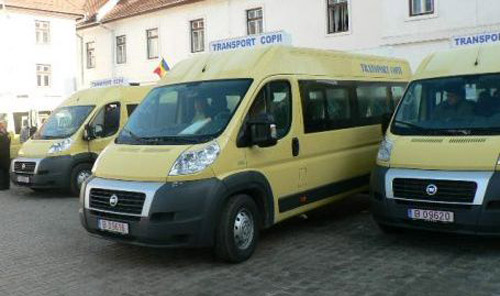 Inspectoratul Şcolar a primit patru microbuze noi