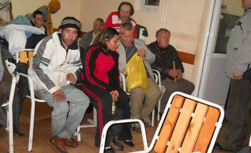 Adăpostul de Noapte asaltat de bolnavii psihic
