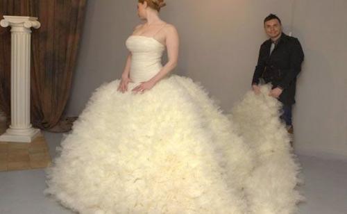 "Rochia de mireasă gigant, la ""Art Marriage"" Satu Mare"