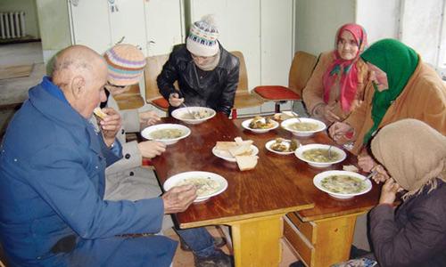 Cantina socială, restaurant de lux pentru săraci