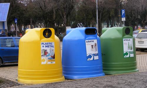 Containere multicolore în centrul Sătmarului