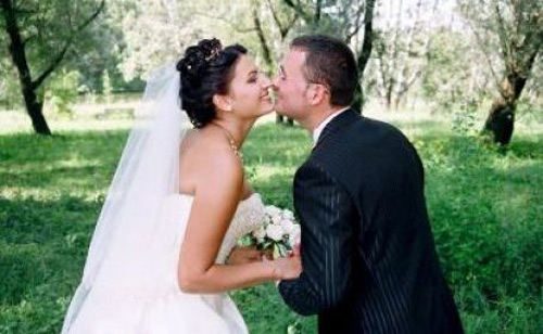 Zero căsătorii de 1 şi 8 Martie!