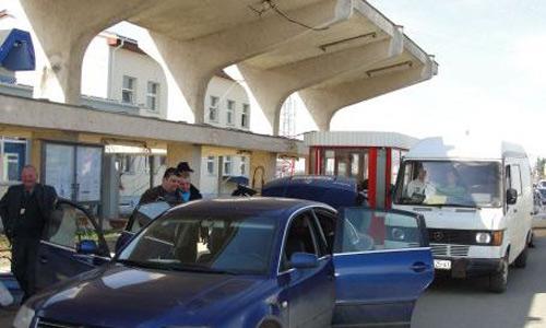 Aglomerație mare la granița cu Ungaria. A căzut sistemul informatic