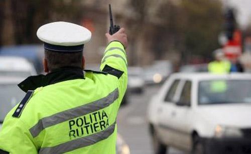 20 de şoferi cu carnetele săltate de poliţişti