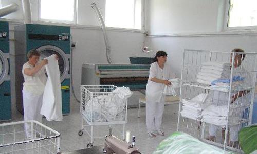 Serviciu unic de spălătorie pentru spitalele din judeţ