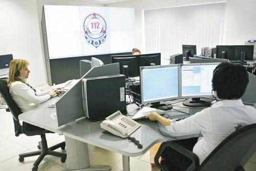 """Douăzeci de mii de apeluri false la """"112"""" în luna februarie"""