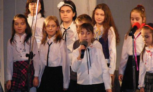 Ritmuri în clinchet de ghiocei pe scena Teatrului de Nord Satu Mare