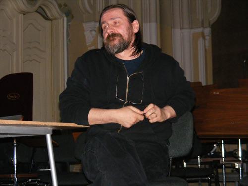 Maestrul Dan Perjovschi în vizită la Satu Mare
