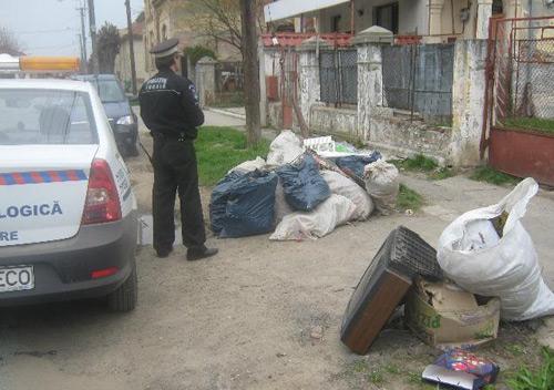 Poliţia Ecologică depistează şi sacţionează