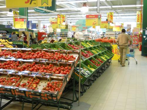 Zi liniştită în supermarketuri