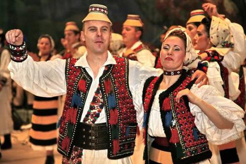 Trei zile de muzică și dansuri populare în Grădina Romei