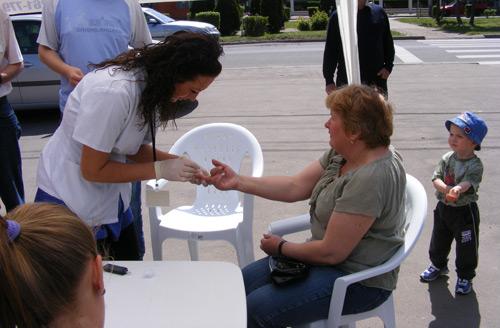 SCM Dr. Coica a măsurat azi gratuit tensiunea, glicemia şi pulsul