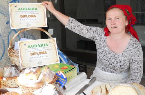 Mariana Rus şi pita ei tradiţională din Turţ, premiate la Târgul Internaţional AGRARIA