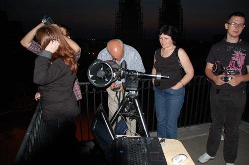 Elevii şi profesorii de la Eminescu au urmărit eclipsa totală de Lună