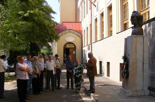 Eminescu comemorat de o mână de scriitori