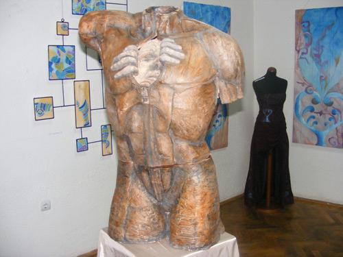 """""""Expoziţia absolvenţilor"""" la Muzeul de Artă"""