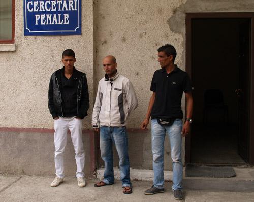 13 migranţi prinşi de poliţiştii de frontieră