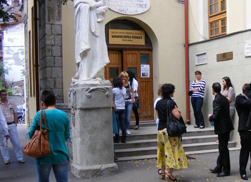 Aproape 2.000 de absolvenţi au picat Bac-ul în judeţul Satu Mare