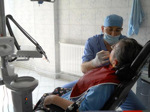 Doar un sfert dintre stomatologi au încheiat contracte cu CJAS