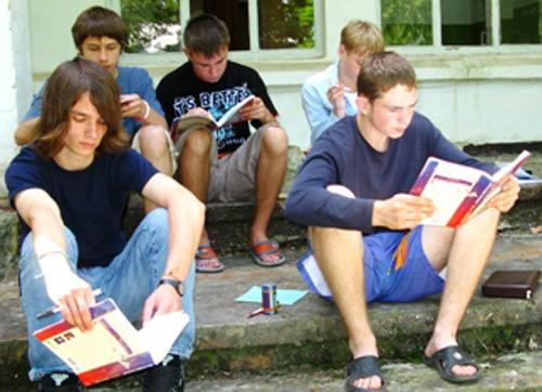 Tabără de vară pentru copiii studioşi