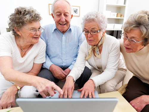Vârstnicii careieni atrași de internet
