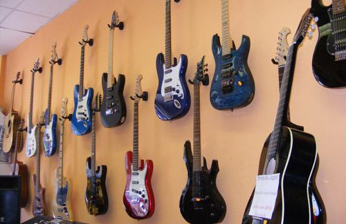 În lumea instrumentelor muzicale