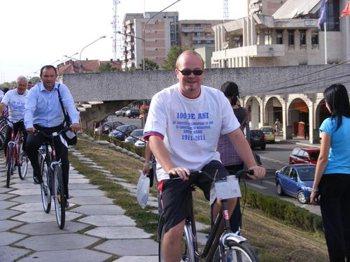 Cu bicicletele, până la Uzina de Apă