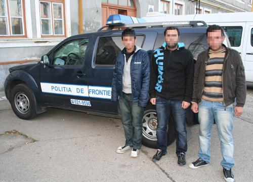 Trei turci au încercat să iasă ilegal din România