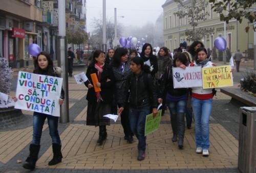 Marş împotriva violenţei în familie