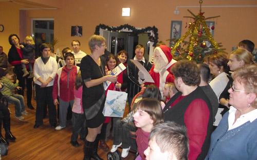 Festivitate de Crăciun la Asociaţia Langdon Down Transilvania