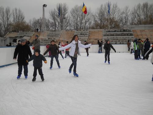 Câştigă o oră de patinaj în Centrul Nou!