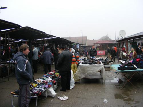 Puțină lume astăzi, la piața de vechituri din Satu Mare