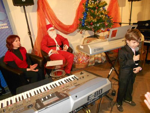 Spectacol de Crăciun la Şcoala de Arte Satu Mare